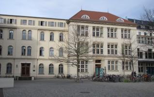 Universität – Ein Gebäudekomplex erstrahlt wieder in altem Glanz