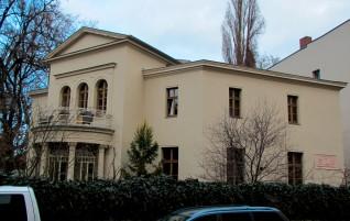 Luisenstraße 1 – Eine Villa wie aus dem Ei gepellt